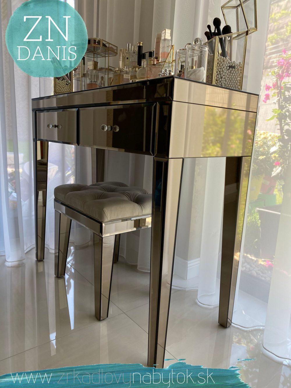 zrkadlový toaletný stolík LOVABLE