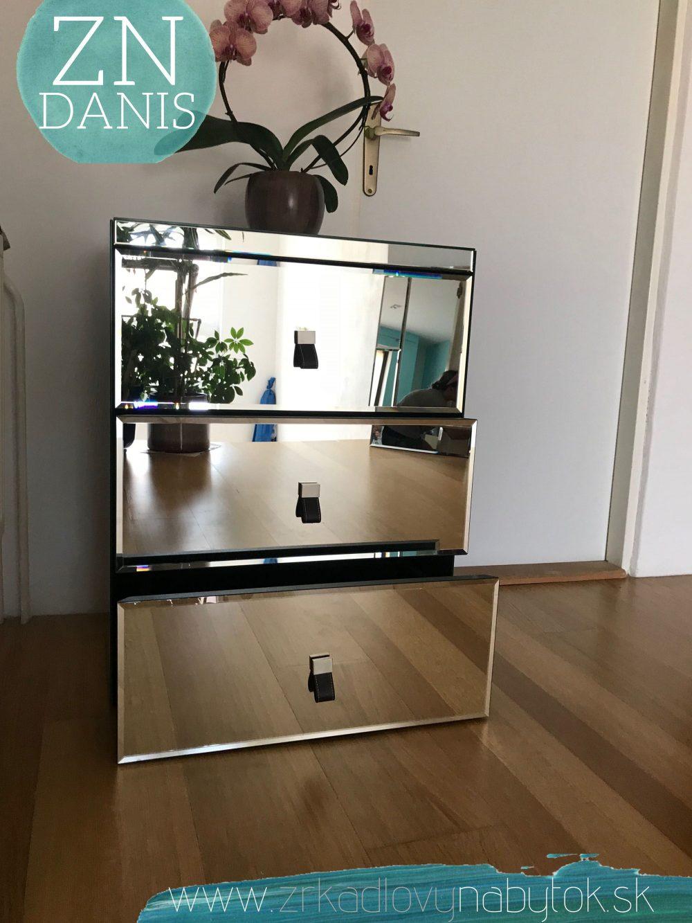 zrkadlová komoda