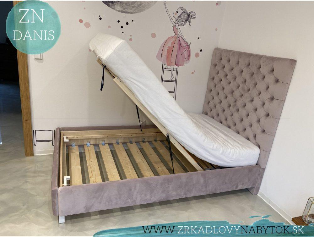 calunená posteľ bubka